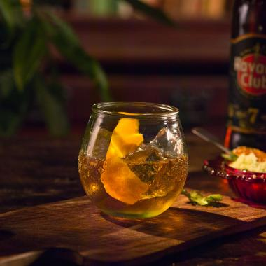 Recept na koktejl Rum Old Fashioned Havana Club