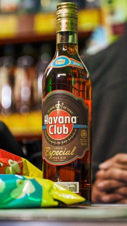 Havana Club Especial Rum Flasche