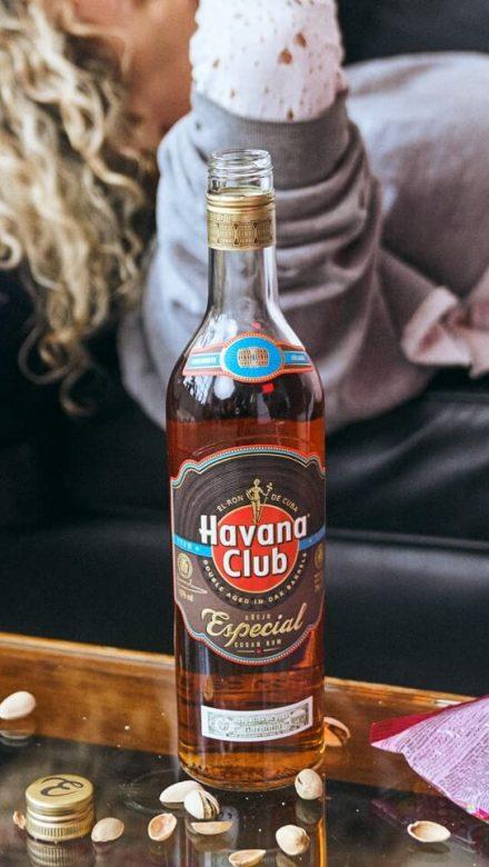 Havana Club Especial Rum Flasche Mood
