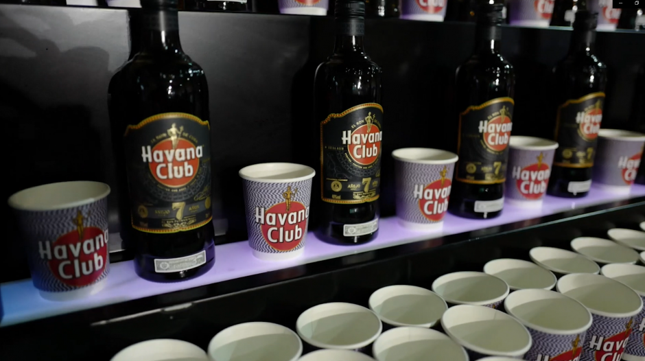 Collab Snearkerness x Havana Club bottle and papercup