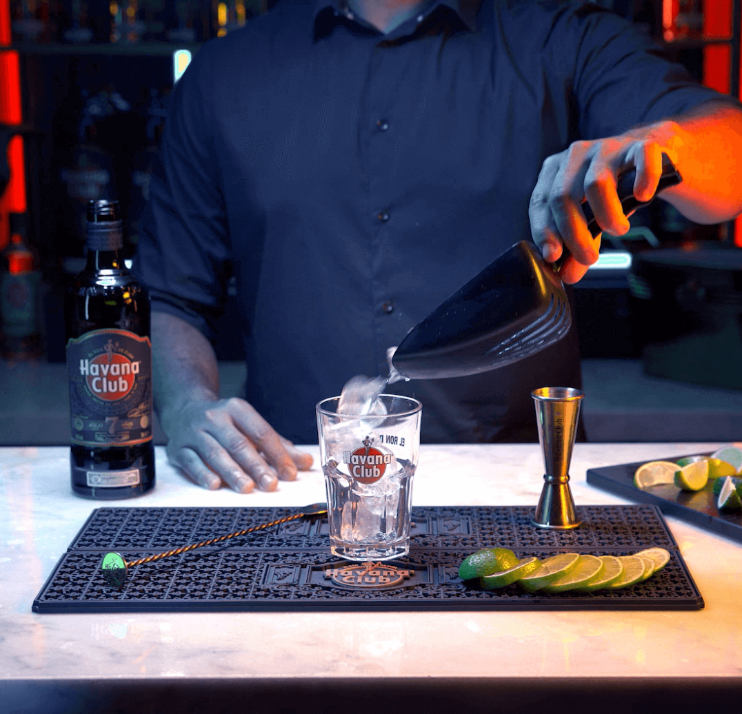 7G'(Ginger) cocktail making