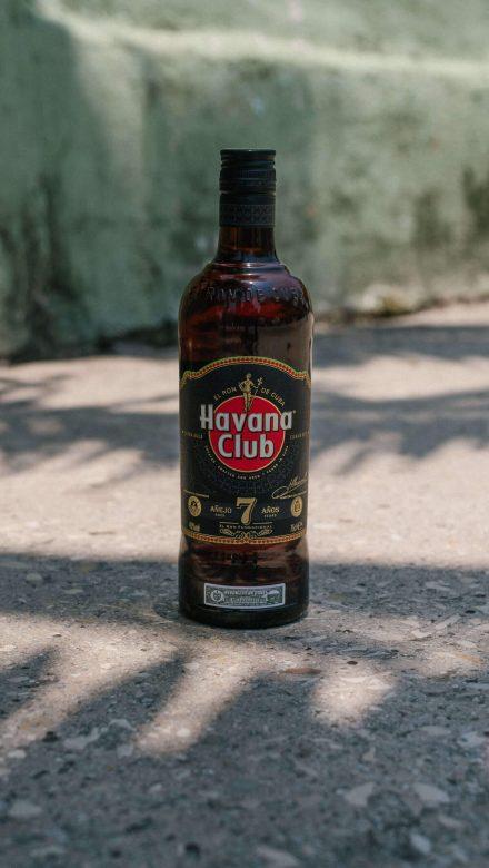 Havana Club 7 Jahre Rumflasche Moodbild