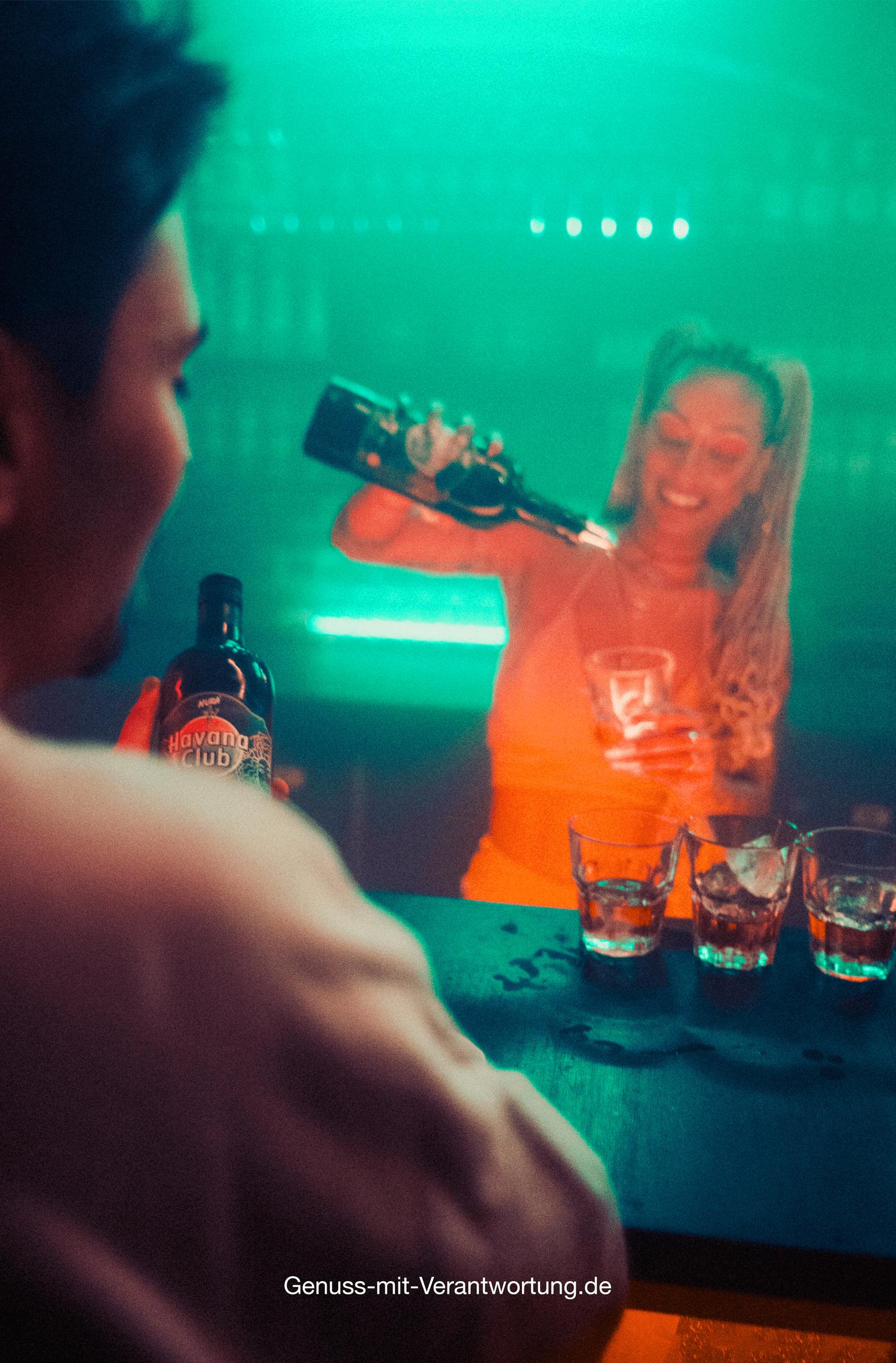 Rapperin Nura und Havana Club