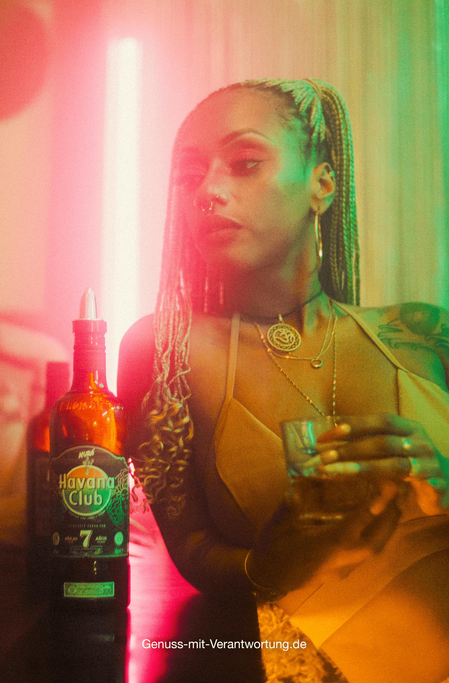 Rapperin Nura kooperiert mir Havana Club Rum